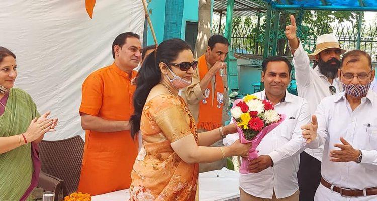 गुरुग्राम के बादशाहपुर मंडल में स्थापना दिवस  मनाया गया
