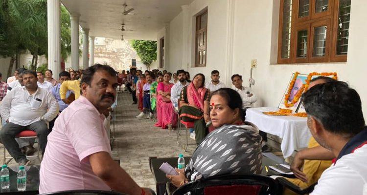 विधायक संजय सिंह जी के कार्यालय पर सोहना में होने वाली रैली के संदर्भ में बैठक रखी गई